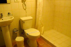 Kuba-Trinidad-Finca-Maria-Dorores-Hotel-Badezimmer