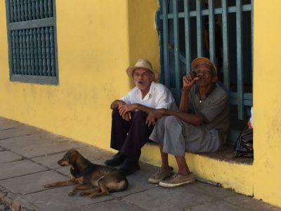 Kuba-Kubaner mit Zigarren-Heideker-Reisen