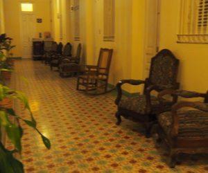 Kuba-Camaguey-Colon-Hotel-Flur