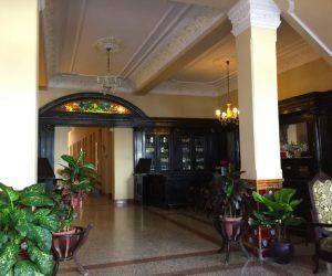 Kuba-Camaguey-Colon-Hotel-Lobby