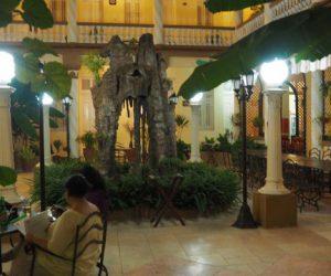 Kuba-Camaguey-Colon-Hotel-Restaurant