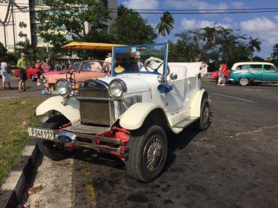 Kuba-Oltimer-weiß-Heideker-Reisen