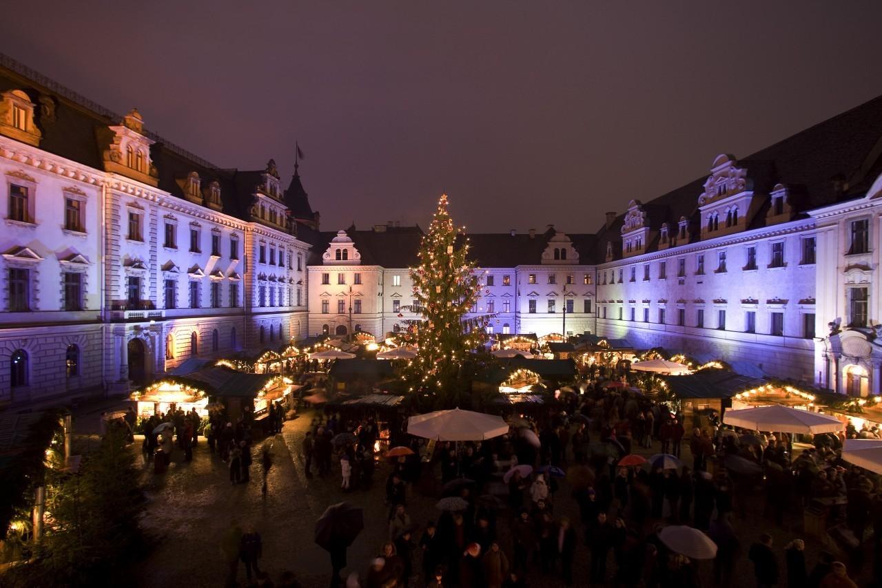 Schloss Regensburg Weihnachtsmarkt